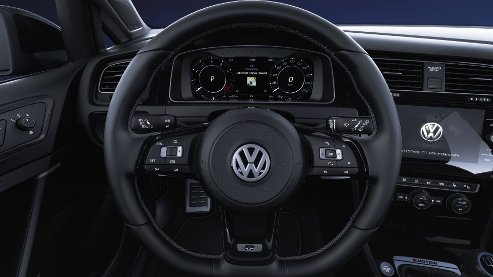 2018 Golf R multifunction steering wheel
